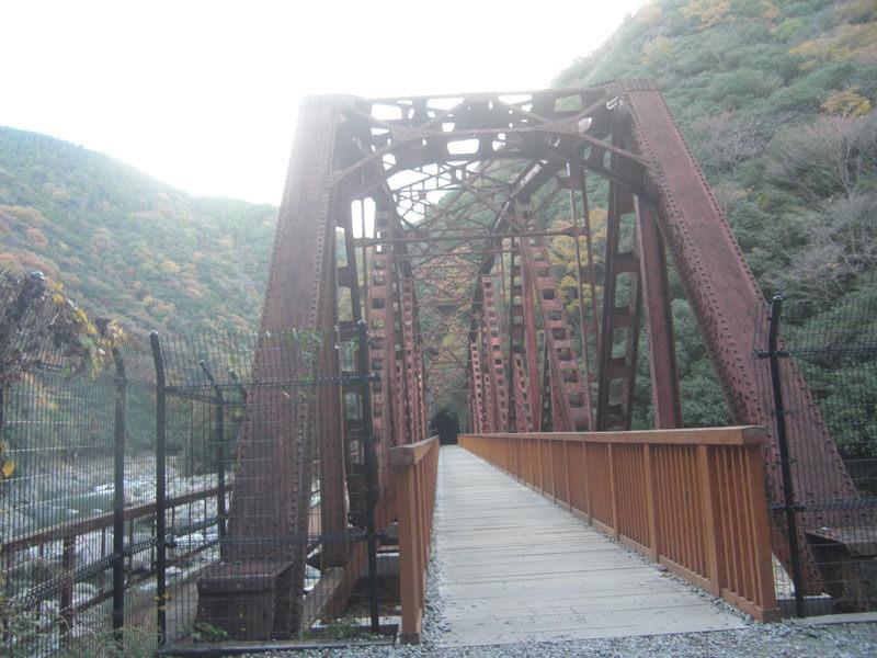 廃線敷内鉄橋